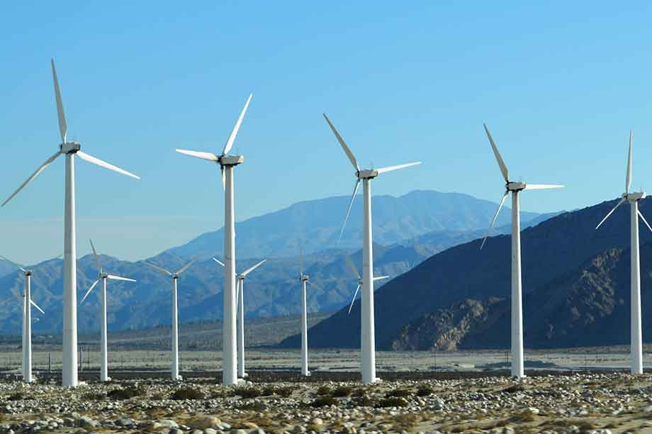 California wants to source 100% of its electricity from renewables by 2045 (pic: Nandaro)