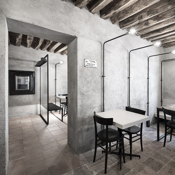 Italian eatery exudes rustic charm
