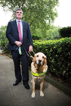 neil heslop with guide dog