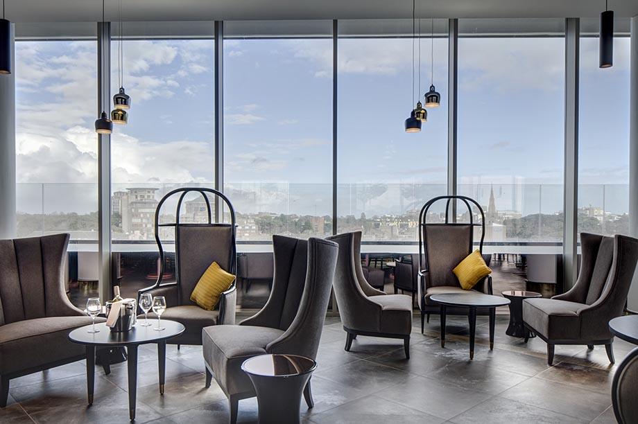 LEVEL8IGHT The Sky Bar, Hilton Bournemouth