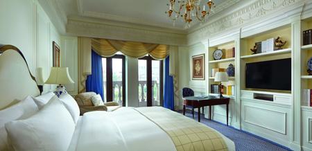 Bedroom at the Ritz-Carlton, Tianjin