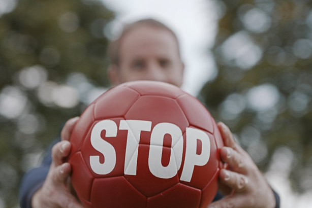 A still from the Stoptober TV ad