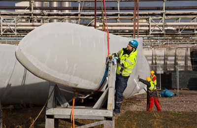 Engineers moving wind turbine blades