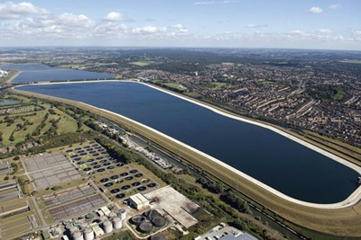 Thames Water is trialling sewage effluent reuse at its Deephams Sewage Treatment Works (credit: World Pictures/Alamy)