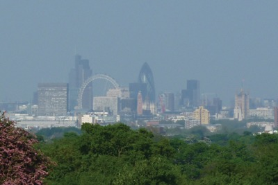 London skyline during the Easter weekend smog, 2011 (credit: Gareth Simkins)
