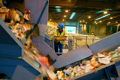 MRFs paid councils £7/t on average for dry recyclates in 2012 WRAP data shows (photograph: Sita)