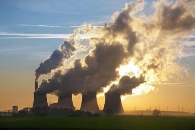 UK factory chimneys. Credit: Steve Allen/Dreamstime.com