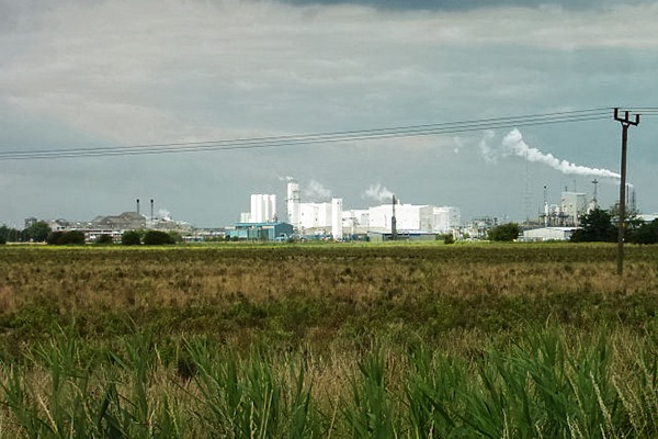 Cristal operates Europe's largest titanium dioxide plant at Stallingborough in north-east Lincolnshire. Photograph: Alan Murray-Rust/geograph.org.uk