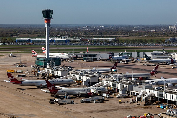 Higher emissions from the new runway at Heathrow would put extreme pressure on the fifth carbon budget without more reductions from aviation, warns CCC. Photograph: Philipus/123RF