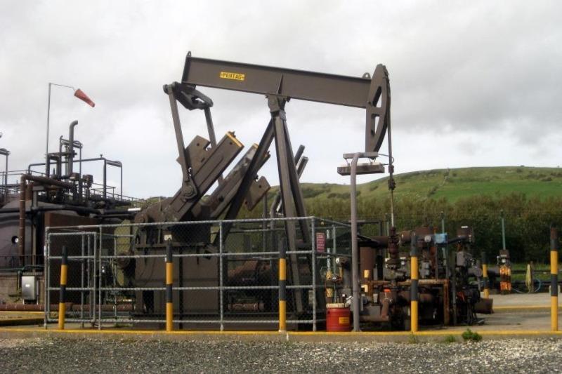 Kimmeridge Bay oil field in Dorset. Photograph: Huligan0 CC BY-SA 3.0