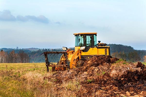 Manure spreading on farm. Photograph: Martin Fredy/123RF